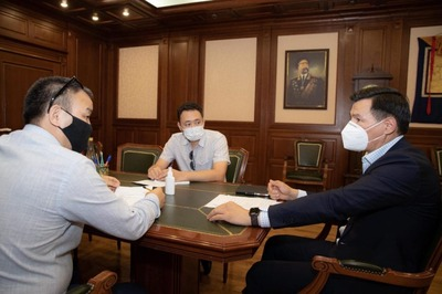Глава Калмыкии обсудил с экспертами методы поддержки калмыцкого языка