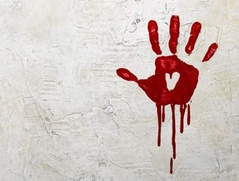 За кровавую надпись ксенофобского содержания житель Котельнича отработает 160 часов