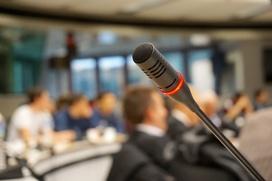 Проблему нехватки знающих коми язык научных работников обсудили в Сыктывкаре