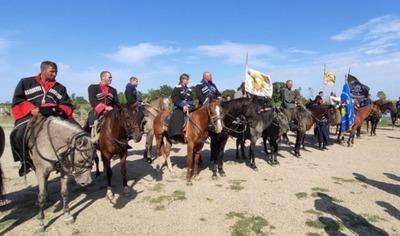 На Ставрополье завершился казачий конный переход в честь 75-летия Победы