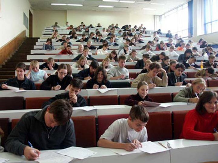 Финно-угорские вузы потребуют вернуть экзамен по родному языку для абитуриентов