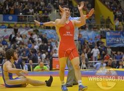 Поединок якутского и дагестанского борцов на чемпионате России чуть не закончился массовой дракой