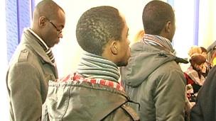 Сотрудников УФМС обвинили в избиении детей африканских дипломатов