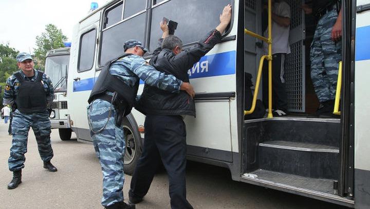 """ОМОН провел """"зачистки"""" московских рынков после нападения дагестанцев на полицейского"""
