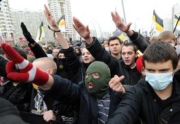 Националисты напали на приезжих в подмосковной электричке