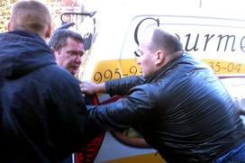 """Грузинские рестораторы не признали вину в избиении водителя главы """"Росбалта"""", но готовы заплатить компенсацию"""