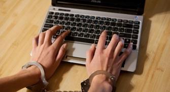 Комитет Госдумы не поддержал законопроект о декриминализации статьи за репосты