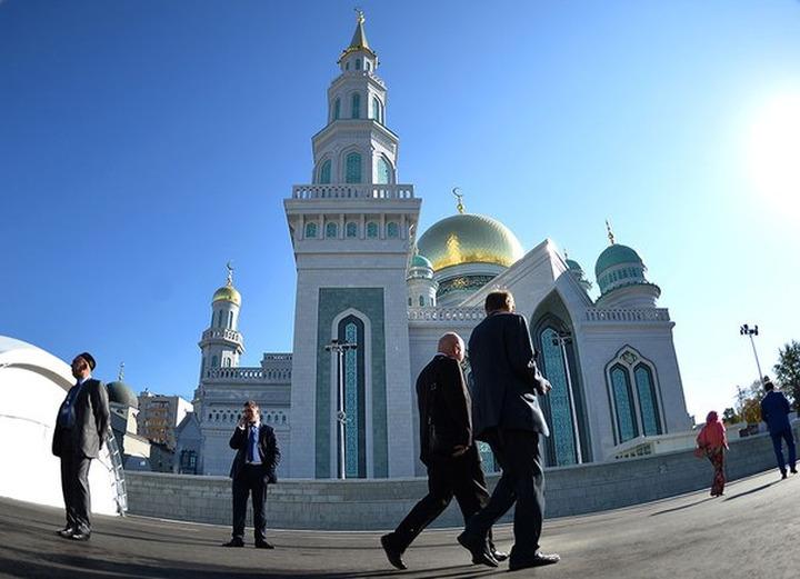 Глава ФАДН России поздравил мусульман с открытием Соборной мечети
