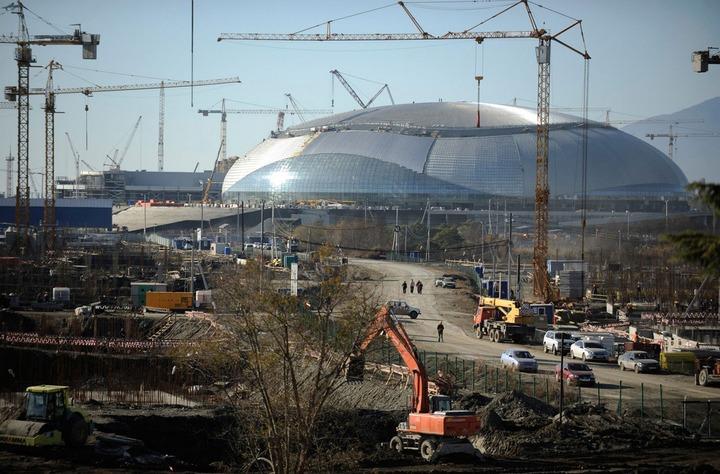 Для занятых в строительстве олимпийских объектов сочинских мигрантов правозащитники издали брошюру