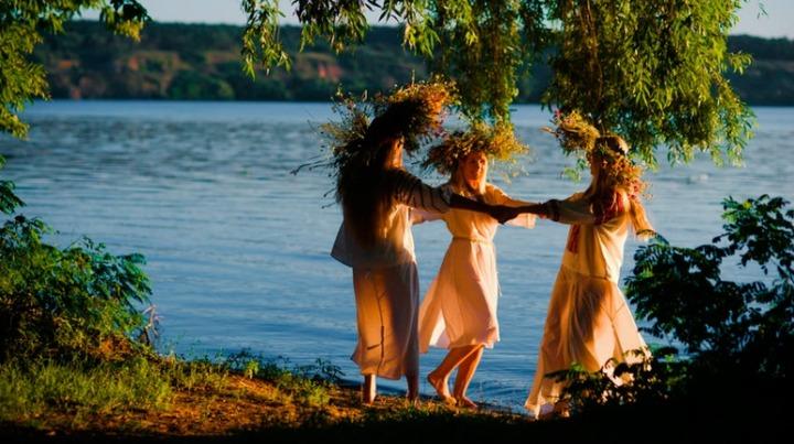 В Татарстане на праздник Ивана Купалы спустят венки на воду онлайн