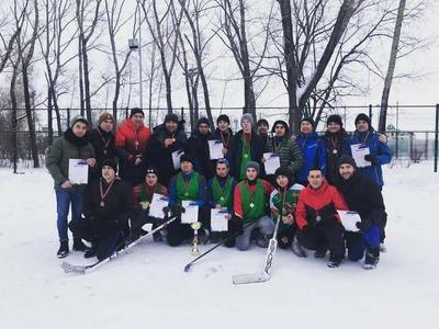 В хоккей на валенках сыграли жители Татарстана и артисты эстрады