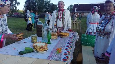 Записывать звуки деревни и печь трехслойные блины научили на фестивале в Сардаяле