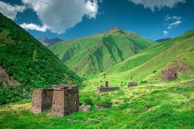 В Чечне в 2020 году планируют отреставрировать средневековый башенный комплекс