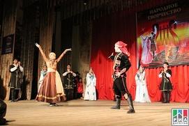 """В Дагестане провели фестиваль """"Песни и танцы моего народа"""""""