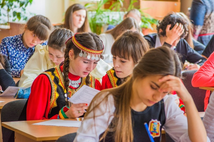 Предложения регионов об изучении родных языков направили министру образования