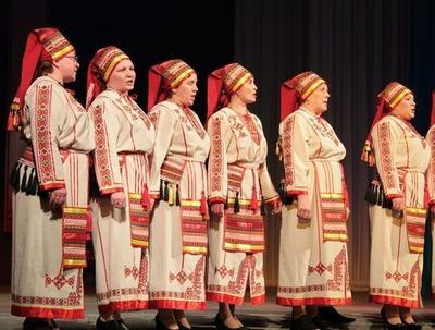 Национальные общины Чувашии облачились в свои народные костюмы