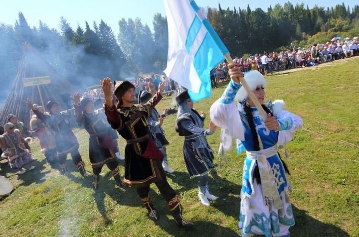 """На """"Этюдах Севера"""" в Томской области очистились огнем и водой"""