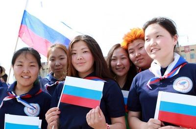В Якутии отметили вхождение в состав России национальными песнями и танцами