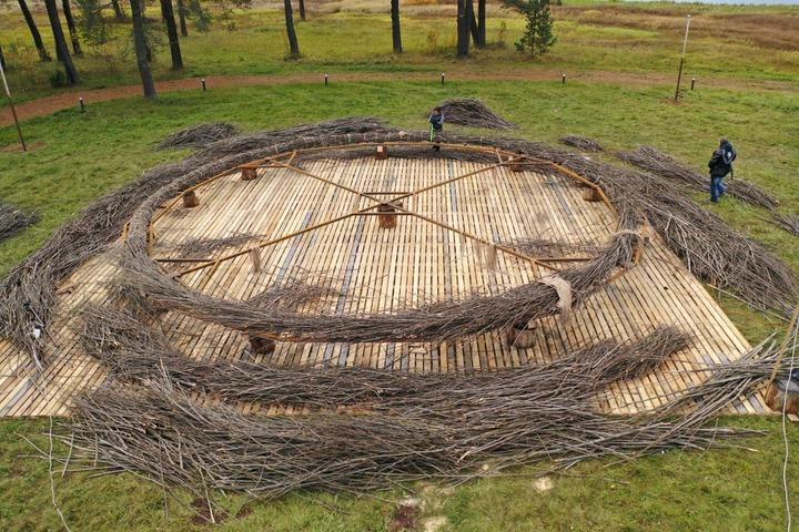 В Тверской области шаманка сплела самый большой в мире ловец снов
