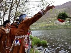Камчатские аборигены готовятся к празднику первой рыбы