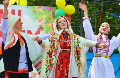 """Москвичи на """"Пеледыш пайреме"""" станцуют самый длинный марийский танец"""
