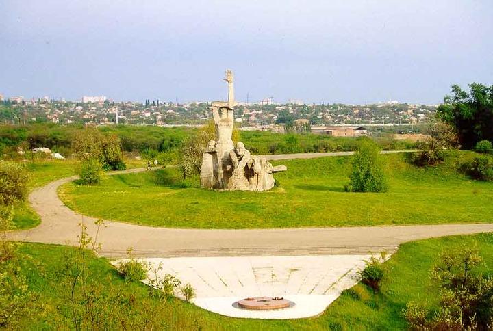 Губернатору Ростовской области предложили установить отдельный памятник расстрелянным евреям