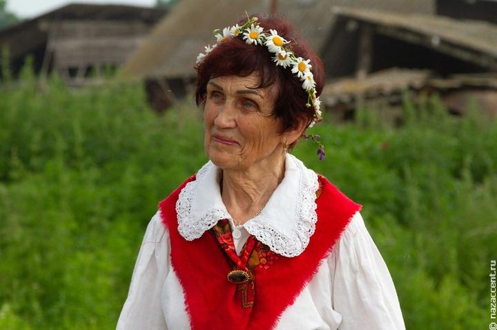 Эстонцы Крыма посетили старинные дома и возложили цветы к мемориалам на Дне эстонской культуры