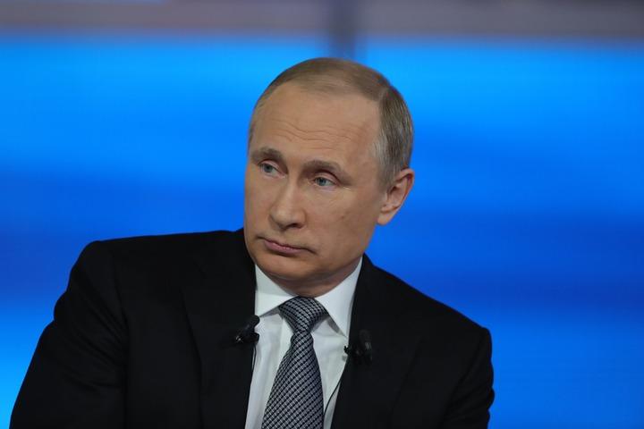 Путин призвал защитить интересы россиян при большом потоке мигрантов