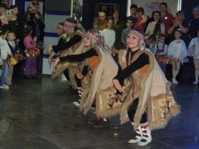 В Норильске исполнили танец встречи солнца