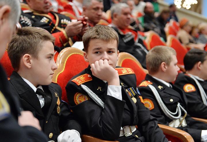 """Глава РПЦ призвал казаков не превращаться в """"этнографическую карикатуру"""""""