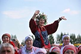 """Около 700 человек станцевали многонациональный хоровод на """"ГуртFEST"""" в Удмуртии"""