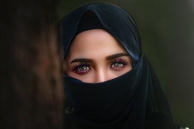 Муфтият Чечни рассказал девушкам правила исламского дресс-кода