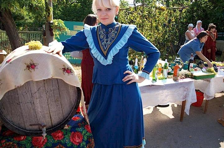 """Пухляковские виноделы прокатят гостей """"Донской лозы"""" на винных бочках"""