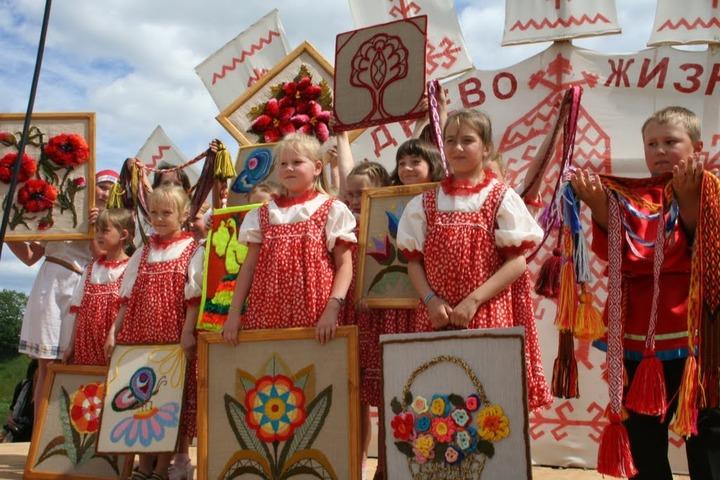 Учебники по вепсскому, водскому и ижорскому языкам создадут в Ленобласти