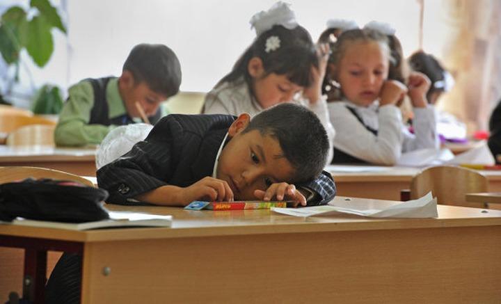 В 17 регионах России началась апробация учебников для детей мигрантов