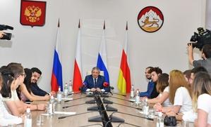 Глава Северной Осетии пообещал обеспечить выходцам из республики обучение родному языку