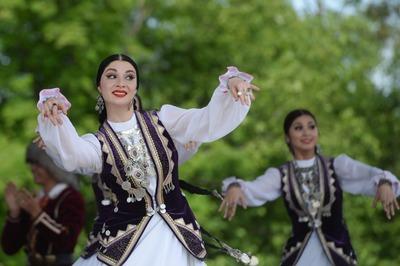 В Ленинградской области одновременно отметили 10 праздников разных народов