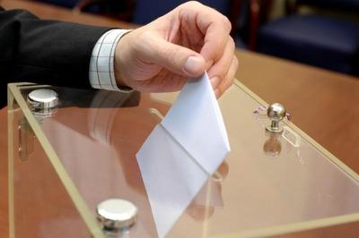 """Бюллетени на предварительном голосовании """"ЕР"""" будут печатать на двух языках"""