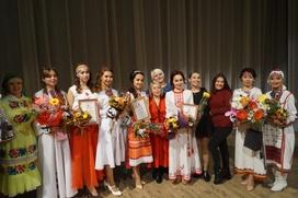"""В Йошкар-Оле выбрали победительницу марийского """"Девичьего пира"""""""