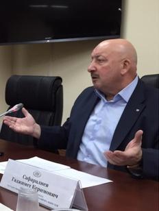 """Финалисты """"СМИротворца"""" встретились с главой Комитета Госдумы по делам национальностей"""