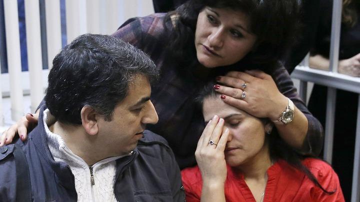 Семье курдских беженцев из Шереметьево дали временное убежище