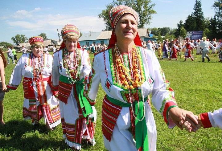Алтайские эрзяне встанут в хоровод