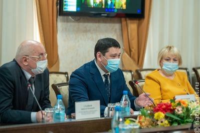 Семьям с говорящими на хакасском первоклассниками вручат 15 тысяч рублей