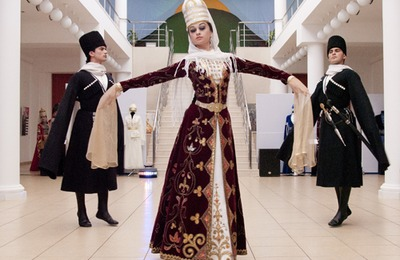 Выставка национальных черкесских костюмов открылась в Туапсе