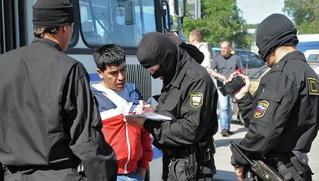 """Полиция задержала более тысячи мигрантов-нарушителей, работавших на стройке """"Москва-Сити"""""""