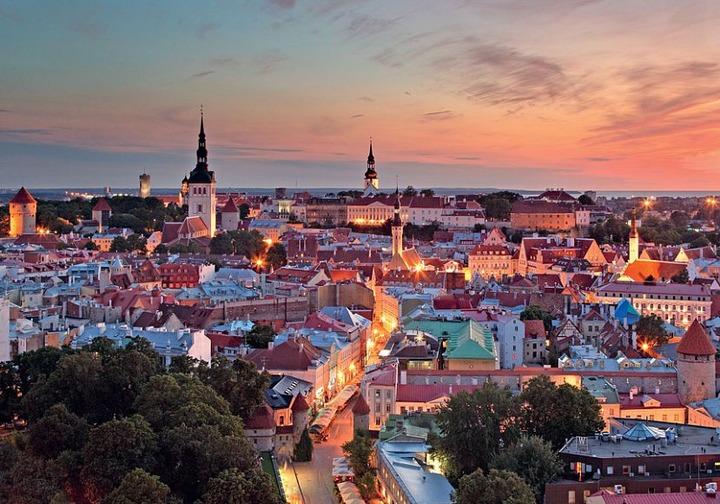 """СМИ: Эстонцы и русские в Эстонии живут """"в параллельных мирах"""""""