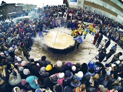 В Ялуторовске попытаются испечь два рекордно больших блина