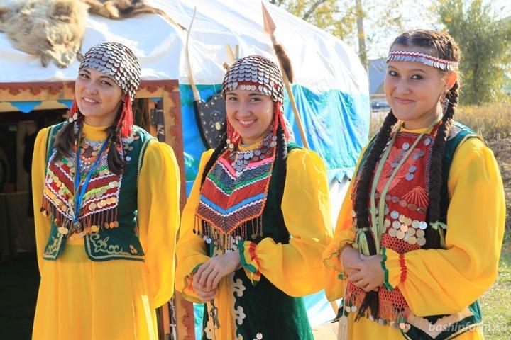 В столице Башкирии состоится марш-парад национальных костюмов