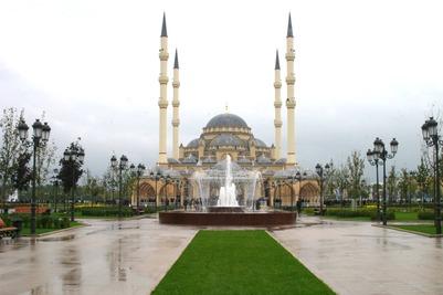 В Грозном откроют новую мечеть на 3 тысячи человек