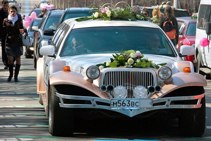 Стреляющим в свадебных кортежах грозит штраф до 100 тысяч рублей